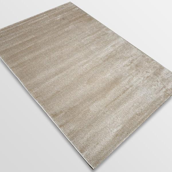 Едноцветен килим - Бела Бежов